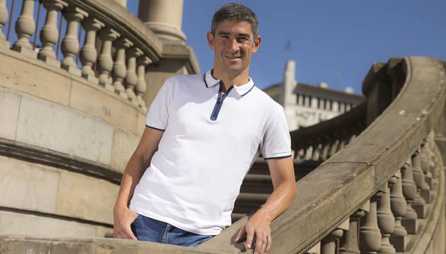 Alberto Undiano Mallenco, en la Plaza del Castillo de Pamplona.