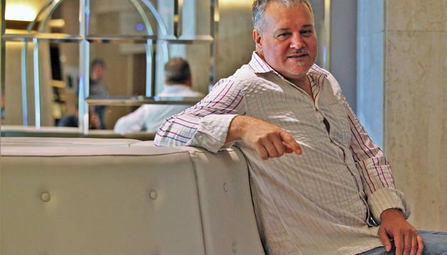 Miguel Morán, posando ayer en el Hotel Tres Reyes de Pamplona.