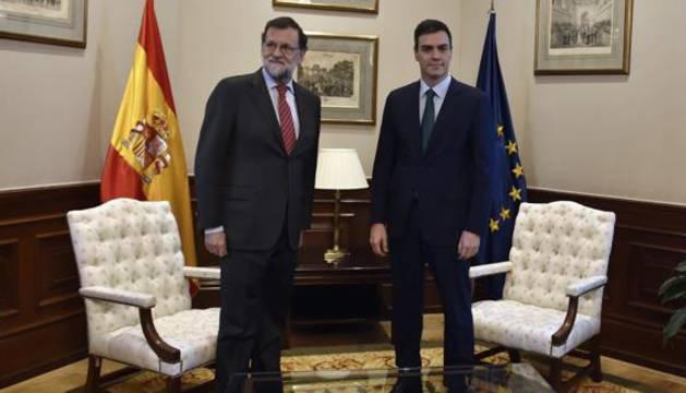 Mariano Rajoy y Pedro Sánchez, durante una reunión en febrero.