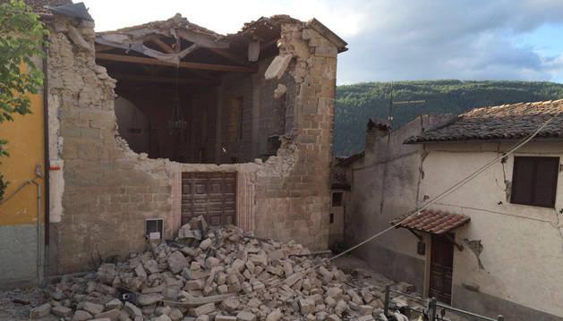 Una de las casas afectadas en Accumuli tras el terremoto.