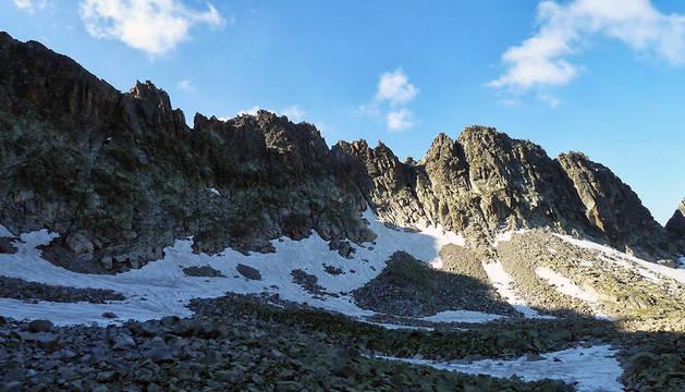 Cresta del pico Alba, lugar desde donde la fallecida ha caído.