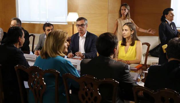 Los integrantes del equipo negociador del PP y de Ciudadanos.