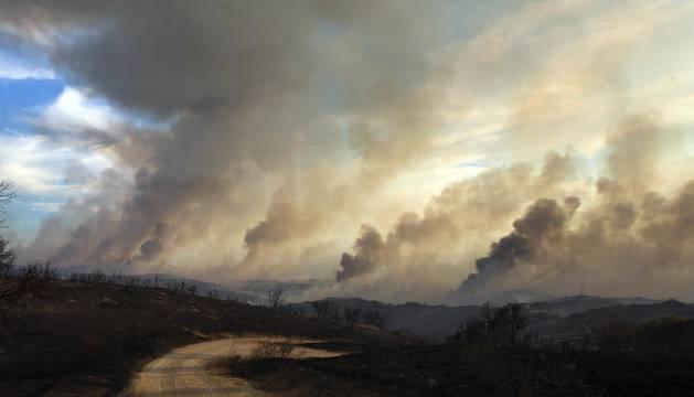 Incendio de grandes dimensiones entre Tafalla y Pueyo