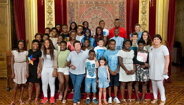 Medio centenar de menores de Guinea Ecuatorial son acogidos en Navarra
