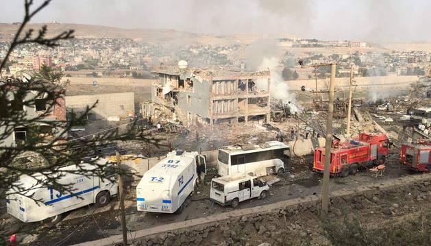 Atentado en el que han muerto once policías y otras 70 personas han resultado heridas.