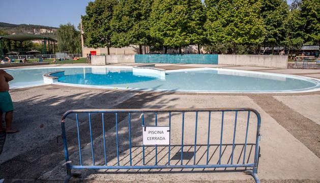 La piscina infantil de Aranzadi cerrada.