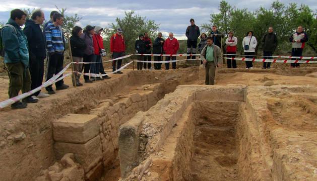 Visita a unas excavaciones en Cascante.