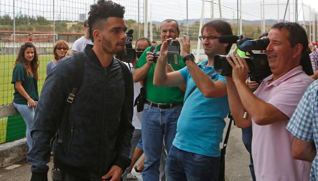 Manu Riviere, a su llegada a las instalaciones de Tajonar.