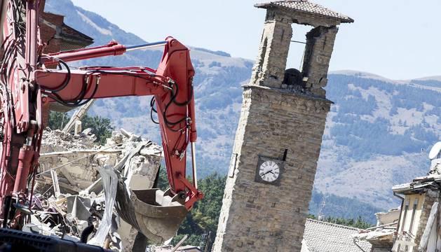 Italia investigará anomalías en los edificios de la zona afectada por el  seísmo