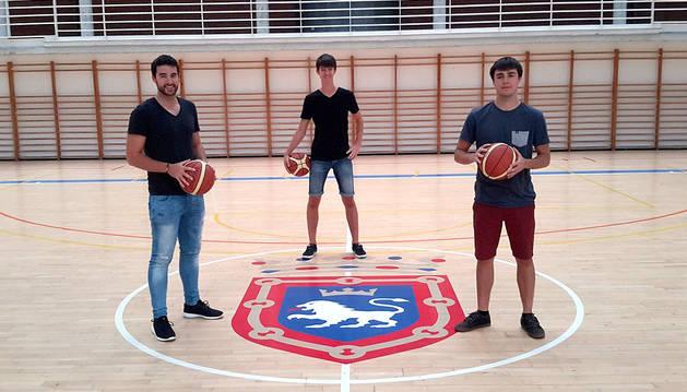 Zabalo, Almendros y Urdiáin, caras nuevas para el Basket Navarra
