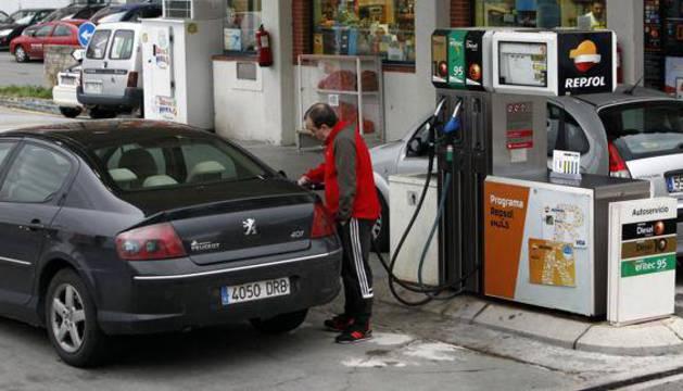 La menor bajada de los precios de los carburantes favorecieron el dato.