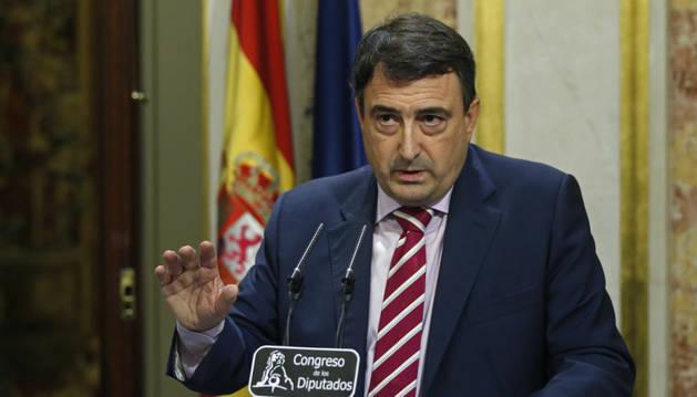Aitor Esteban,tras el discurso de investidura del presidente del Gobierno en funciones, Mariano Rajoy.
