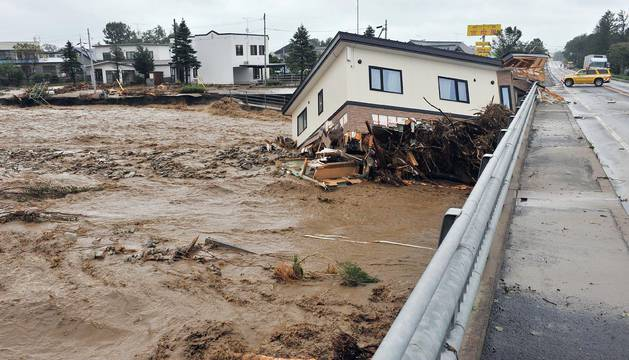 El tifón 'Lionrock' afecta de lleno a Japón