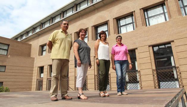 El nuevo equipo directivo de la Escuela de Idiomas de Tudela. Francisco Fernández Alcalde, Anne Fitzpatrick Mulligar, Arantxa Pérez Rosano y Marta Ávila Calzada.
