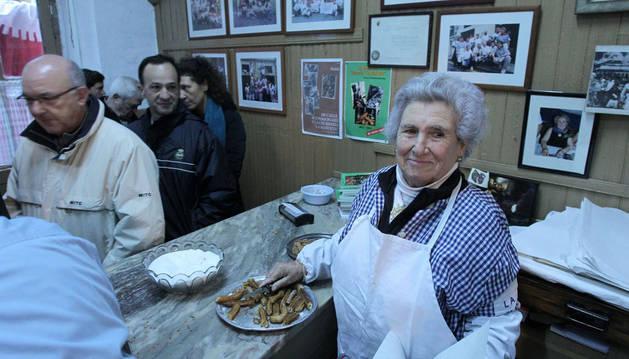 La dueña de la Churrería La Mañueta recibirá el primer 'Pañuelo de Pamplona'