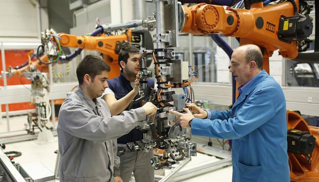 Industria, brazo robótico,