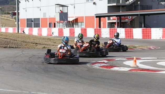 La plantilla de Osasuna, en el Circuito de Navarra