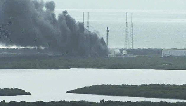 Explota un cohete de Space X en Cabo Cañaveral