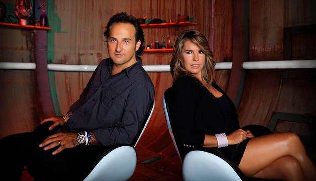 Íker Jiménez y Carmen Porter, presentadores de 'Cuarto milenio'