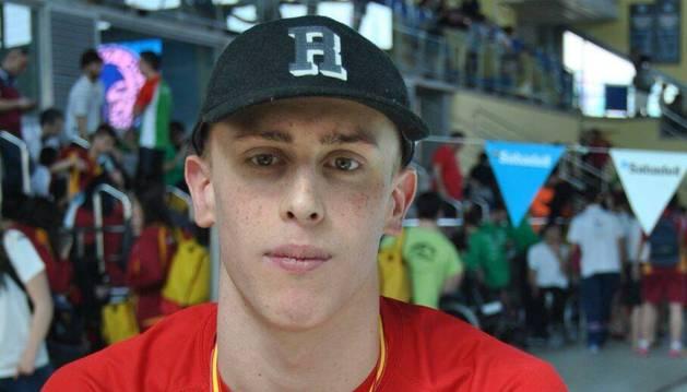 El nadador Iván Salguero participará en sus primeros Juegos.