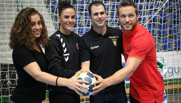 De izda. a dcha.: Marta López (Bera Bera), Naiara Egozkue (Zuazo), Miguel Goñi (Helvetia Anaitasuna) y Víctor Tomàs (Barcelona).