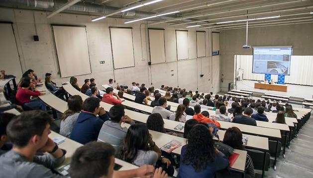 Una imagen del inicio del curso pasado, en el campus de Arrosadia, en Pamplona.