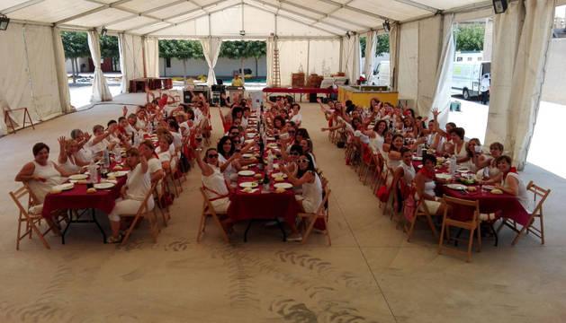 Comida del Día de la Mujer en las fiestas de Fontellas.