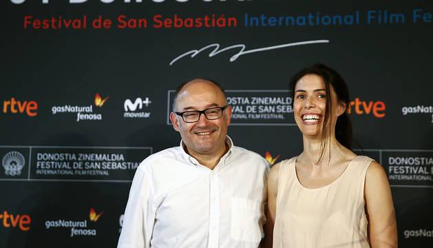 El director del Festival Internacional de Cine de San Sebastián, José Luis Rebordinos, y la responsable de Comunicación, Ruth Pérez de Anucita, durante la presentación oficial de su 64 edición.