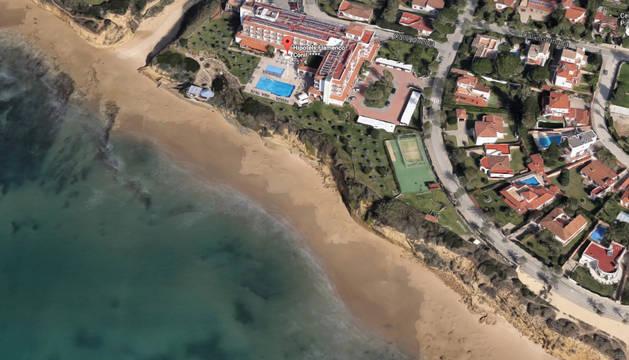 El desprendimiento se produjo en los acantilados de la playa Fuente del Gallo de Conil.