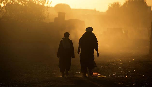 El choque de un autobús y un camión deja al menos 36 muertos en Afganistán
