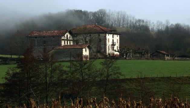 Detalle del Palacio de Aroztegia, donde se proyecta el hotel, campo de golf y área residencial.