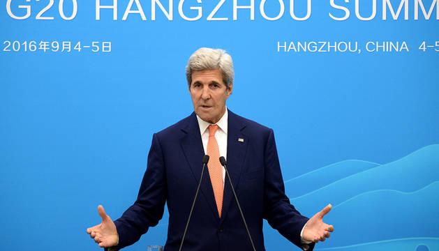 John Kerry habla en Hangzhou tras el fracaso de las negociaciones.