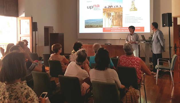 La primera ponencia en Estella, el 30 de agosto, realizada por Joaquín García Purroy en la casa de cultura.