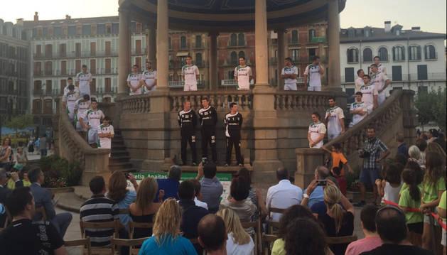 Presentación de Anaitasuna en la Plaza del Castillo