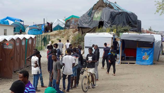 La 'Jungla de Calais', el campamento improvisado cercano a la ciudad francesa para inmigrantes ilegales.