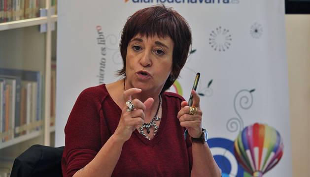 La escritora Rosa Montero, en una visita al Club de lectura de Diario de Navarra en 2015.