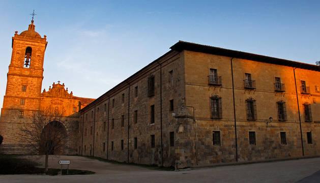 Exterior del monasterio de Irache de Ayegui.