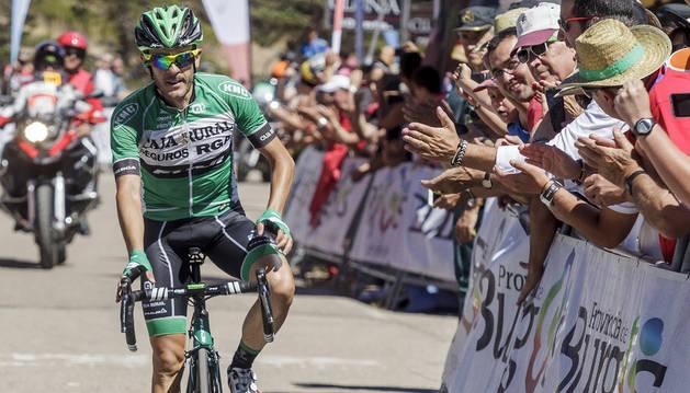 El ciclista del Caja Rural, Sergio Pardilla, entra vencedor de la etapa de la Vuelta a Burgos