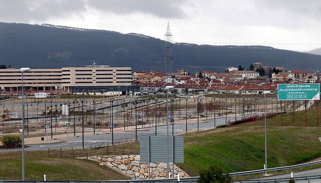 En primer término, los terrenos del polígono que ahora también se quiere hacer industrial.