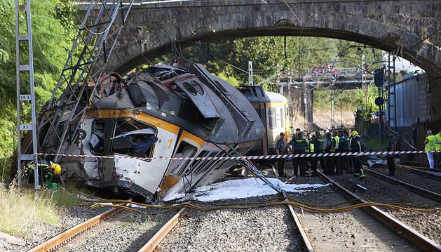 Tres muertos en el descarrilamiento de un tren en O Porriño (Pontevedra)