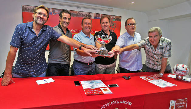 Iñaki Mendióroz, Andoni Irujo, Rafael Del Amo, Vicente Oyarzun, Alberto Remírez y Ramón Vélez.