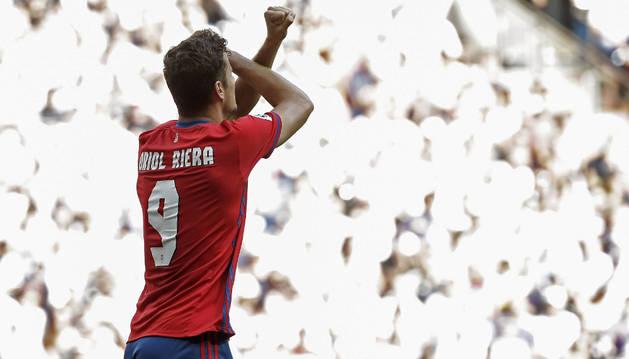 Oriol Riera celebra el gol marcado al Real Madrid este sábado en el Santiago Bernabéu