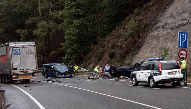 Así quedaron los tres vehículos implicados en el accidente.