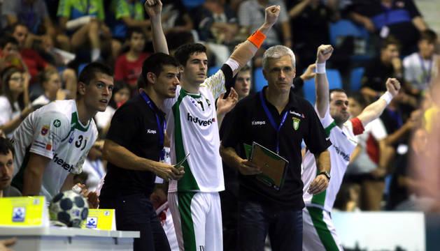 El banquillo del Helvetia Anaitasuna, en la Supercopa.