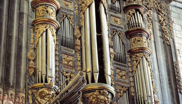 Caja del órgano de Lerín.