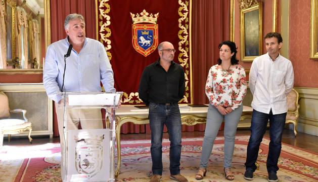 Joseba Asiron, en la presentación del acuerdo.
