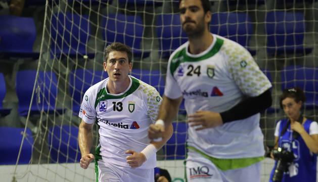 Nadoveza y Ugarte, en un partido anterior.