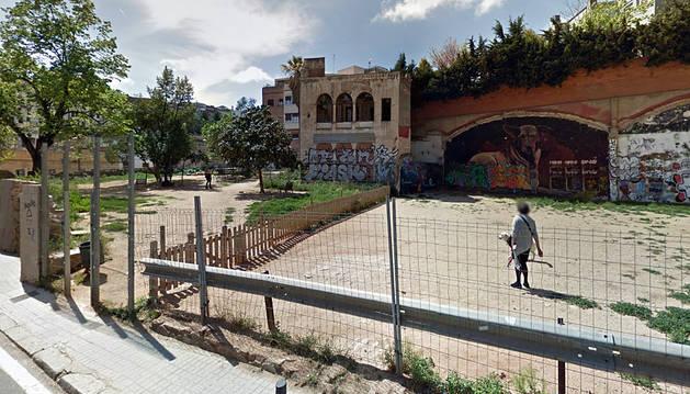 Cuatro heridos a navajazos en una pelea por una deuda en Barcelona