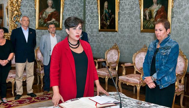 María Solana, en el momento de prometer el cargo.