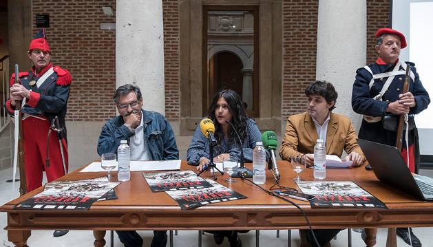 José María Tuduri Esnal (izquierda), Andrea Rodríguez Tarazona e Iñaki Urricelqui Pacho presentaron la programación del evento.
